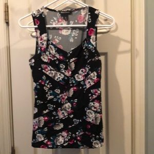 White House Black Market Floral top size XS